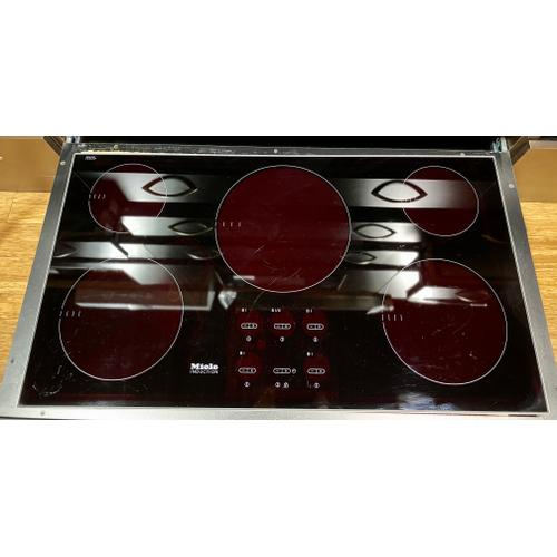 """Miele KM5773     36"""" 5-Burner KM 5773 Induction Cooktop - Induction Cooktop with Demeyere Cookware Set *No Warranty*"""