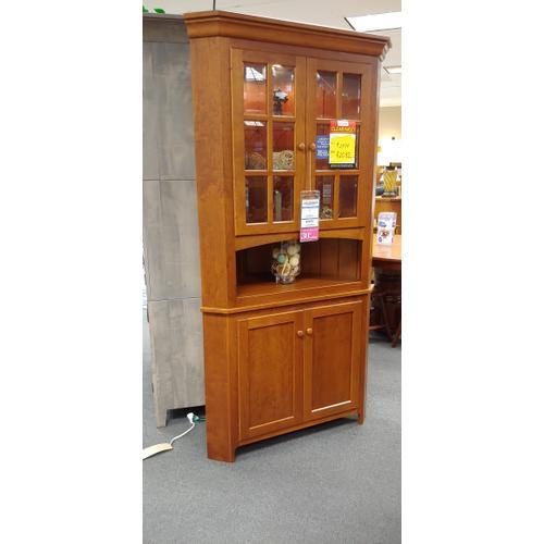 Amish Craftsman - Carlisle Corner Cabinet