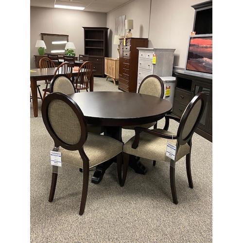 "Amish Craftsman - 48"" Round Table Set"