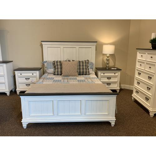 Allyson Park Bedroom Set