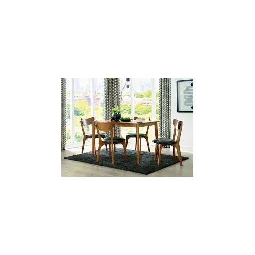 CLEARANCEParrenfield Dining Table and Chairs (set of 5)