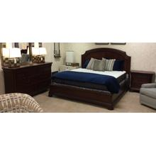 King Bed/ Dresser /2 Nightstands
