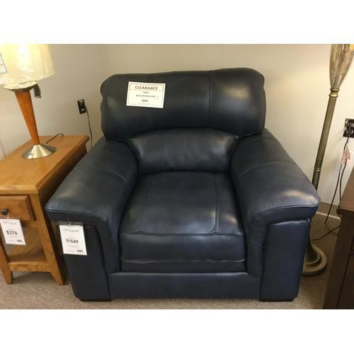 Warehouse M & Associates Inc. 3302-1 FD Blue Leather Chair