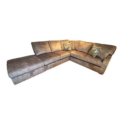 DOVELY SECTIONAL Stationary Sofa #251123