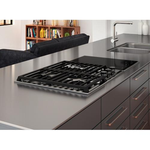 """Wolf - 24"""" Transitional Framed Gas Cooktop"""
