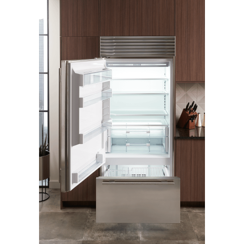 "Sub-Zero - 36"" Classic Over-and-Under Refrigerator/Freezer with Internal Dispenser"