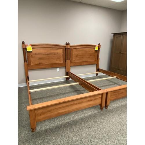 Amish Craftsman - Duchess Full Size Bed
