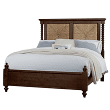 SEAGRASS QUEEN BED WITH LOW PROFILE POSTER FOOTBOARD SCOTSMAN CO. AMERICAN HEIRLOOM COLLECTION