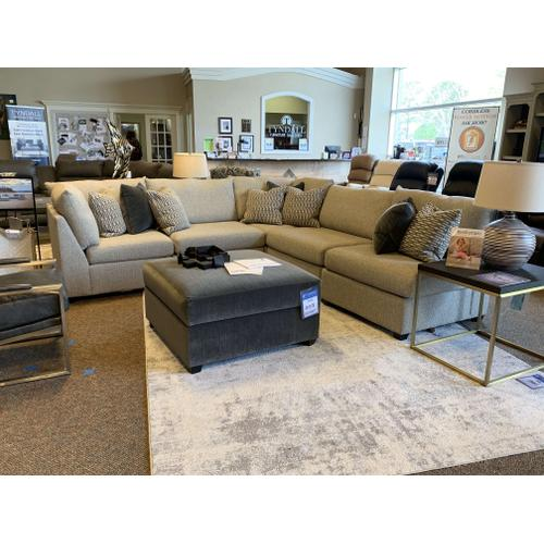Modular Sectional (Style 1516)