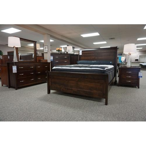 Amish Craftsman - Wilmington Bedroom Collection - Express Ship