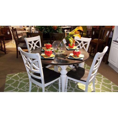 "Bassett Furniture - BASSETT CUSTOM CASUAL DINETTE   -  48"" RD TABLE AND 4 SIDE CHAIRS"
