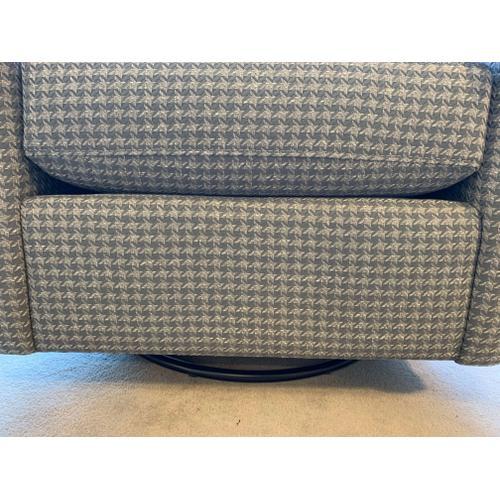 Bassett Trent Swivel Glider Chair