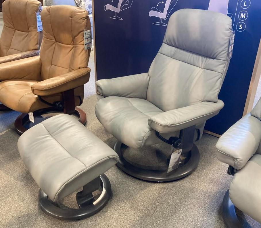 Stressless By EkornesStressless Sunrise Medium Classic Base Chair And Ottoman
