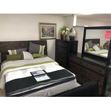 B653 Queen Bed, Dresser & Mirror, Chest