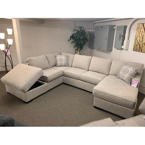 146 Sectional 09L-45R