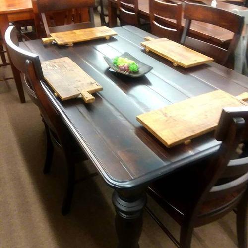 Shreveport Farmhouse Table with Savannah Side Chairs