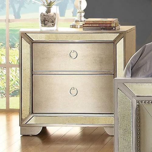 Loraine 4Pc Cal King Bed Set