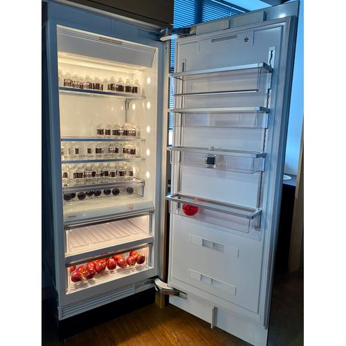 Miele K1803SF    MasterCool refrigerator with high-quality features and maximum storage space for fresh food.