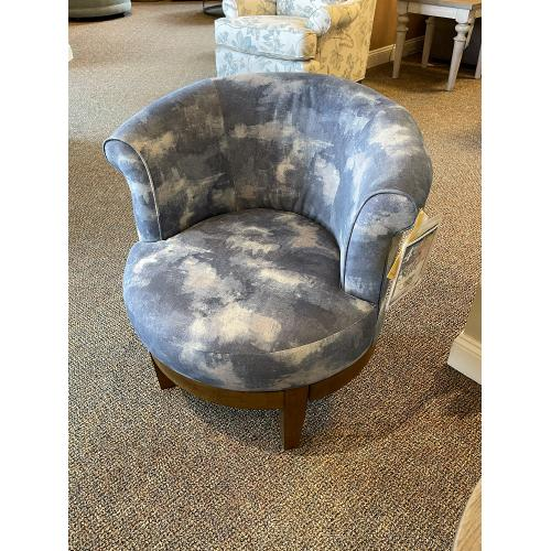 Best Home Furnishings - SWIVEL ACCENT CHAIR