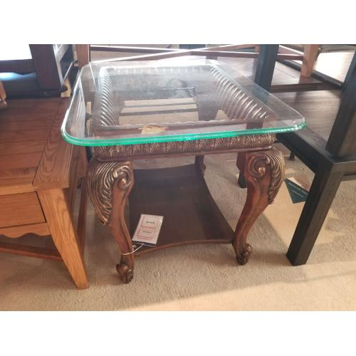 Factory Closeouts - Benchcraft Bellagio End Table