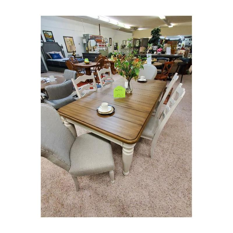 KLAUSSNER DINING TABLE & CHAIRS