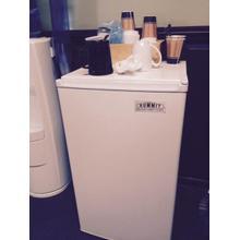 Compact auto defrost refrigerator-freezer in white