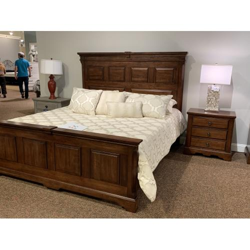 Heritage Amish Cherry King Bedroom - American Made