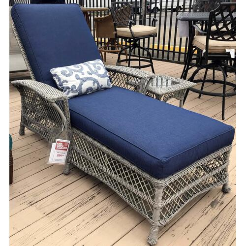 ID:218715 Blue chase lounge with accent table