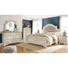Realyn 6 Piece Bedroom