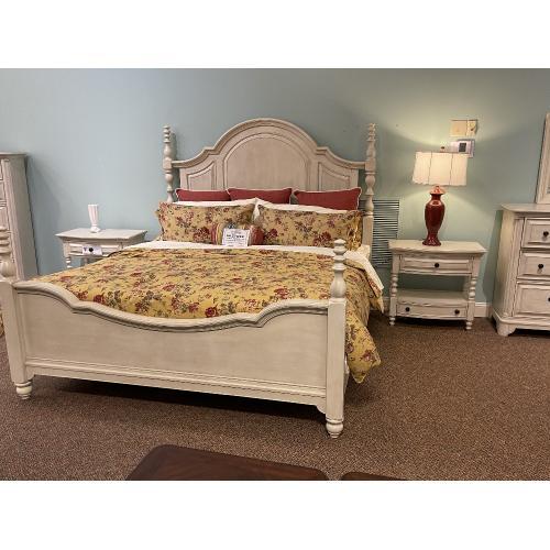 Magnussen Home - Windsor Lane King Bedroom Set