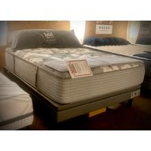 View Product - QUEEN SET * THRESHOLD POCKETED COIL MATTRESS    *FLOOR SAMPLE*   (85319)