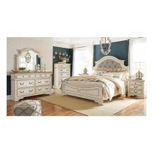 Gallery - Ashley Realyn King Panel Bed & 5 Drawer Chest