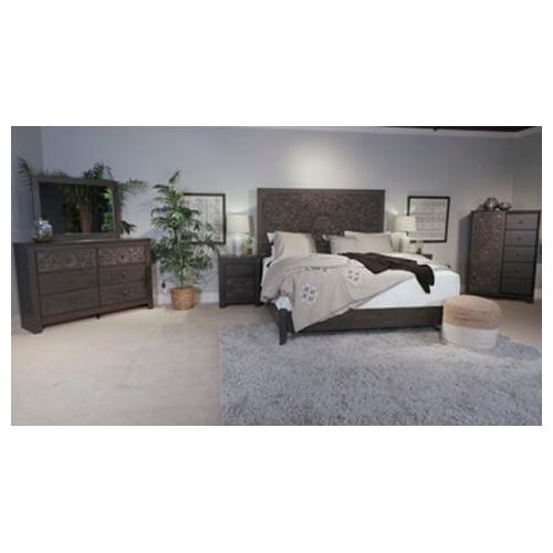 - Paxberry Queen Bed w/ Rail