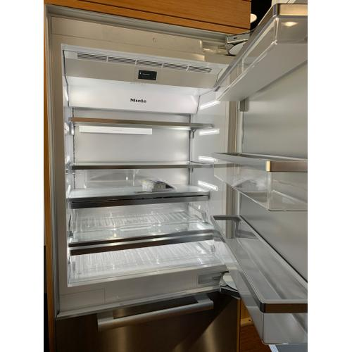 Miele KF2901SF  - MasterCool™ fridge-freezer with high-quality features and maximum storage space for exacting demands.