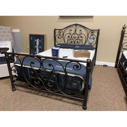 Queen Iron Bed Style #1579500