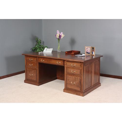 Product Image - Excutive Desk