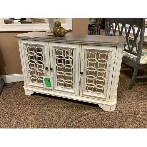 "Liberty Furniture Industries - 51"" Magnolia Manor Mirrored Door TV Console"
