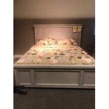 Warwick II King Panel Bed