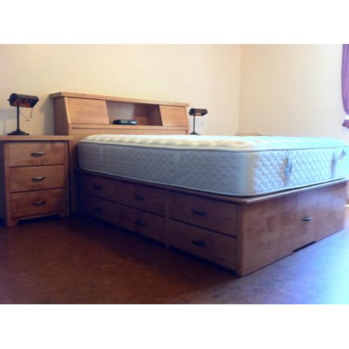 Shaker Style Double High Queen Chested with Slant Headboard and Night Stands