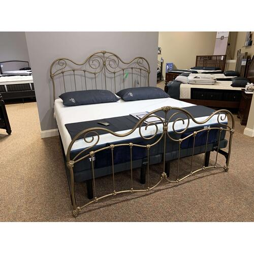Stonehurst King Bed