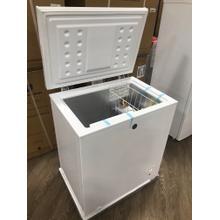 GE Garage Ready 5.0 Cu. Ft. Manual Defrost Chest Freezer **OPEN BOX ITEM** Ankeny Location