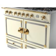 View Product - CornuFe 110 Induction Range - Suzanne Kazler Couleurs - Blanc with Stainless Steel and Polished Brass Trim