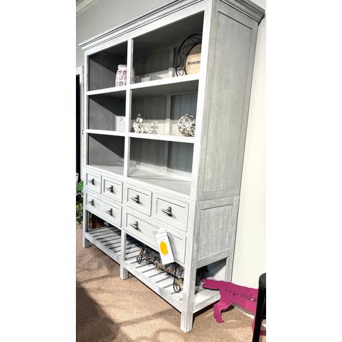 Design Works - Kitchen Cabinet