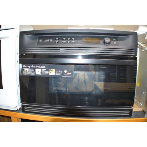 GE Advantium Wall Oven with Speed Cook