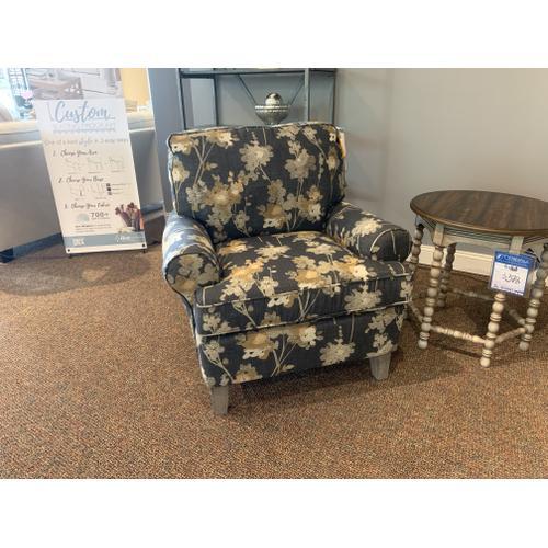Club Chair w. Charcoal Print